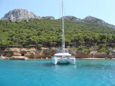 Few day sailing holidays