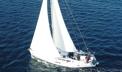 Jeanneau Sun Odyssey 49i - Sailing Holidays in the Sporades | Sail in Greek Waters