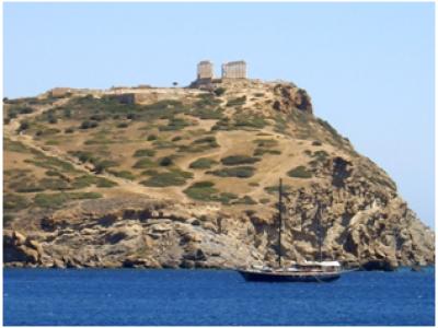 Explore the beauty of Sounio Bay
