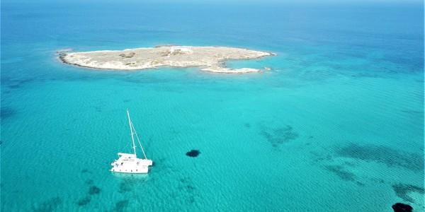 Swimming spot in the Saronic gulf | Sail in Greek Waters
