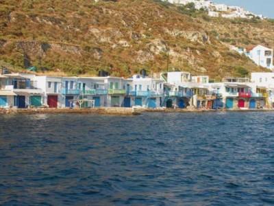 Sailing around Cyclades-Klima,Mylos island