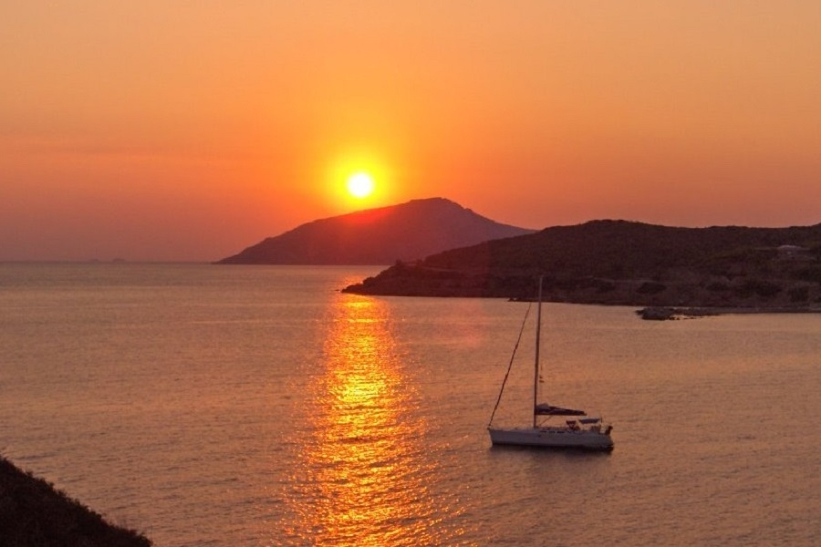 Easy route in the Western Cyclades: 1 week